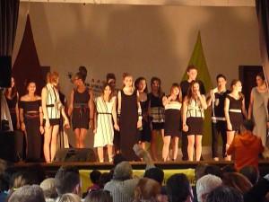 Les lycées de la section mode du Lycée Toulouse Lautrec clôturent le défilé